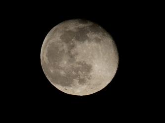 Çin'in uzay aracı Ay'a başarılı bir şekilde iniş yaptı