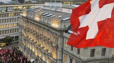İsviçre'de aldıkları korona yardımını Türkiye'ye gönderen Türklere gözaltı şoku
