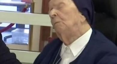 Avrupa'nın en yaşlı kişisi 116 yaşında COVID-19'u yendi